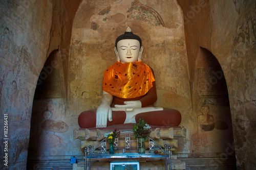 Foto op Canvas Boeddha Buddha Statue in Temple