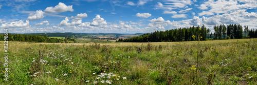 Landschaft Thüringer Rhön - 182298614