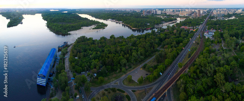 In de dag Kiev Panorama of Kiev from the quadrocopter..