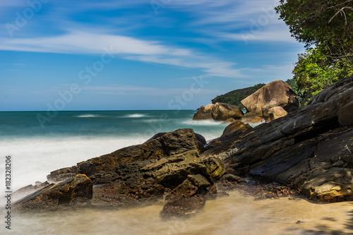 Foto op Aluminium Rio de Janeiro Long Exposure Beach Pedra da Praia do Meio Trindade, Paraty Rio