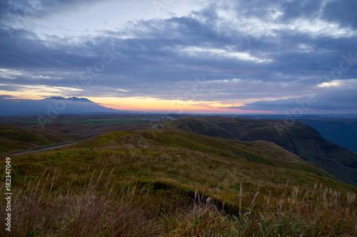 大観峰から望む夜明けのくじゅう連山 Poster