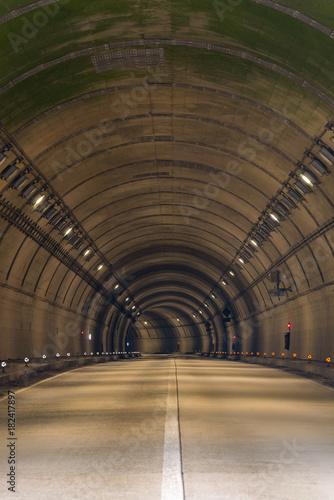 Staande foto Nacht snelweg Tunnel Road