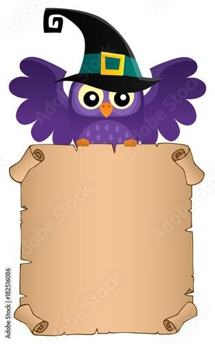 Papiers peints Enfants Halloween owl holding parchment theme 2