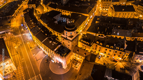 Staande foto Nacht snelweg Lublin miasto nocnych inspiracji
