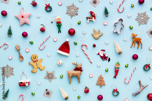 Collection of Christmas objects - 182566634