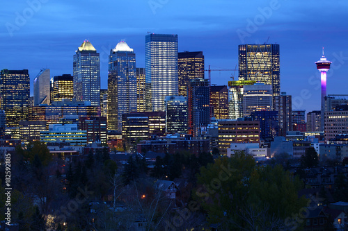 Aluminium Canada Night view of Calgary, Canada city center