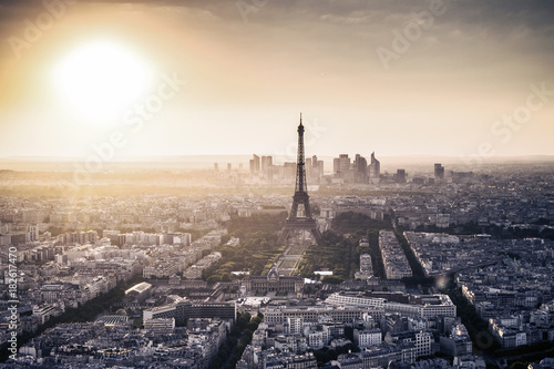 Poster Panoramic city view with Eiffel Tower. Paris, France