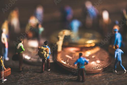 ビットコインに集まる人々,ミニチュア