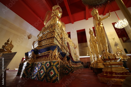Fotobehang Boeddha Buddha and the interior of the church.