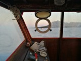 Cabina di comando di una barca - 182739686