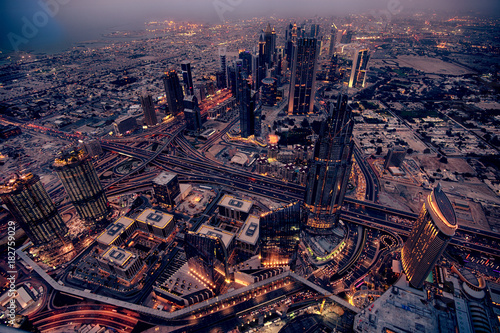 Staande foto Dubai Dubai panoramic view with amazing traffic and buildings at night.