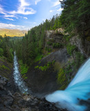 Standing at the edge of Brandywine Falls in Canada  - 182760054