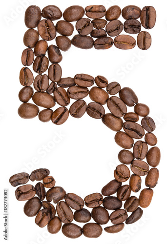 Poster Koffiebonen Arabic numeral 5, five, from coffee beans, isolated on white background