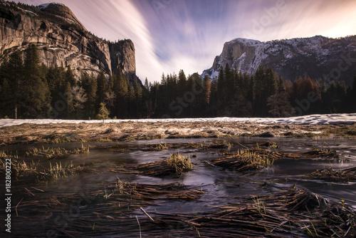 Foto op Canvas Grijze traf. Yosemite national park