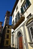 Petit palais et campanile à Lucca en Toscane, Italie