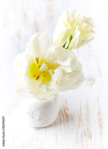 Poster White Tulips in a vase