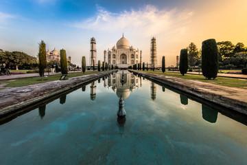 Sunrise at Taj Mahal © Andreas