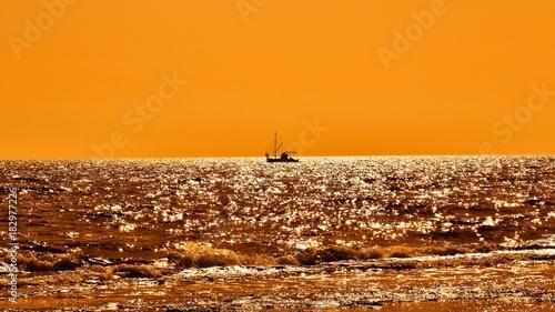 Deurstickers Zee zonsondergang Gines ve deniz
