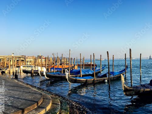 Foto op Canvas Venetie gondolas