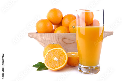 Poster Sap glass of orange juice with fruit and press citrus on white background