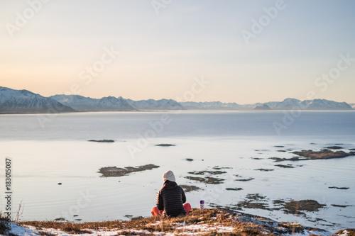 Staande foto Wit Girl in landscape