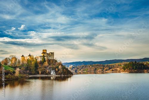 Plexiglas Blauwe jeans Autumn Czorsztyn castle landscape. Niedzica, Pieniny, Poland