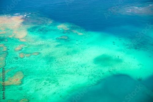 Deurstickers Groene koraal サンゴ礁・空撮