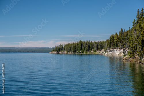 Foto op Canvas Blauwe jeans Yellowstone Lake with forest landscape