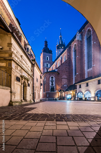 St Mary's church in Krakow, illuminated in the night, Poland © tomeyk