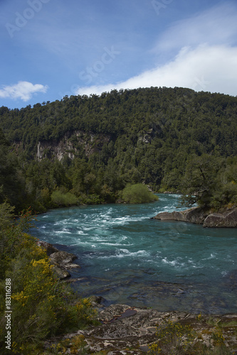Deurstickers Rio de Janeiro River Futaleufu flowing through a forested valley in the Aysén Region of southern Chile. The river is renowned as one of the premier locations in the world for white water rafting.