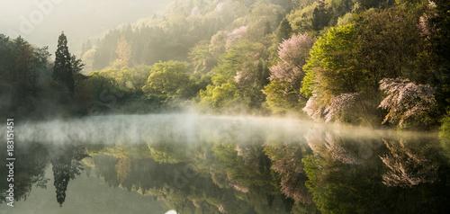 아름다운 호수의 아침