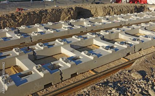 Fotobehang Spoorlijn Mise en place de la voie ferrée