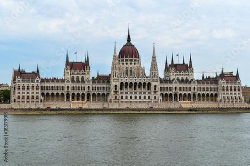 In de dag Boedapest Budapest Parliament