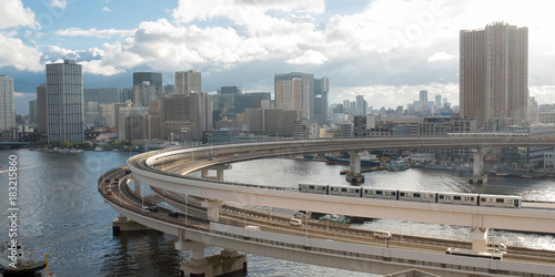 Tuinposter Tokio Rainbow Bridge loop and Yurikamome Train in Tokyo, Japan