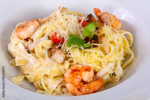 Fototapeta Seafood pasta with prawn