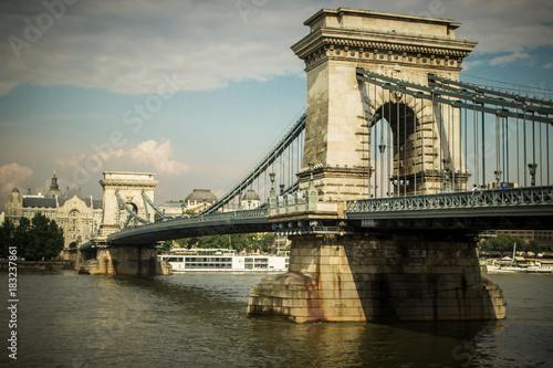 In de dag Boedapest Puentes de Budapest, hungría