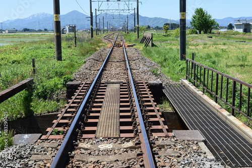 Tuinposter Spoorlijn 羽越本線の線路