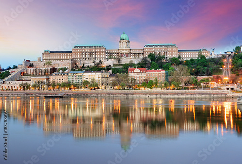Wall mural Budapest castle  in evening.
