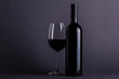 Quadro Red wine glass and bottle