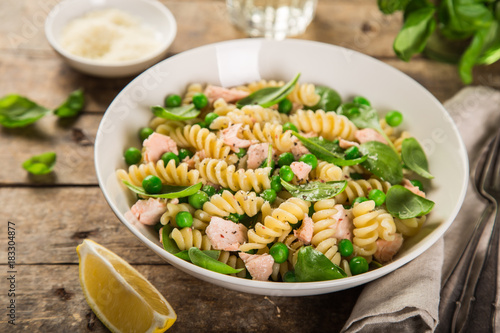 fusilli pasta with salmon, spinach and grean peas