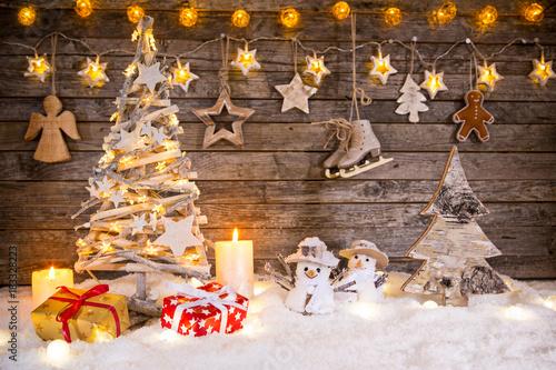 Papiers peints Echelle de hauteur Christmas decoration on wooden background