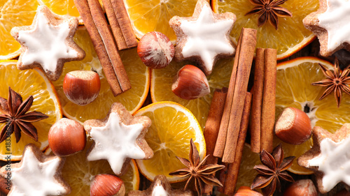 Foto op Canvas Wanddecoratie met eigen foto gingerbread cookie with spice and dried orange