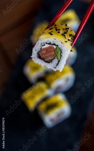 Fotobehang Sushi bar Mango sushi