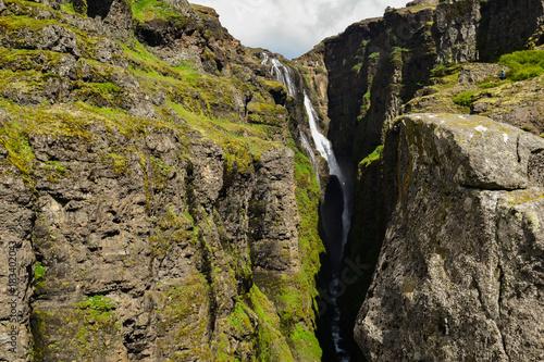 Fotobehang Grijze traf. Glymur waterfall, Iceland