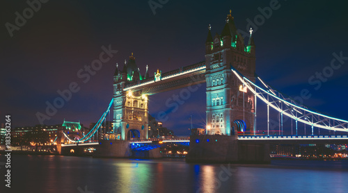 Foto op Canvas Londen Tower bridge and the sky London skyline at night