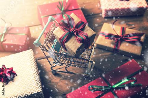 Deurstickers Wanddecoratie met eigen foto christmas gift shopping
