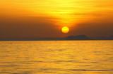 coucher de soleil sur la mer - 183631232