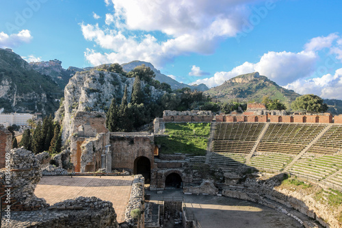 In de dag Grijs old ruins in greek theater in catania sicily