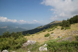 Paesaggio tra il villaggio San Benedetto In Perillis e Acciano, Monte Motola - 183671281