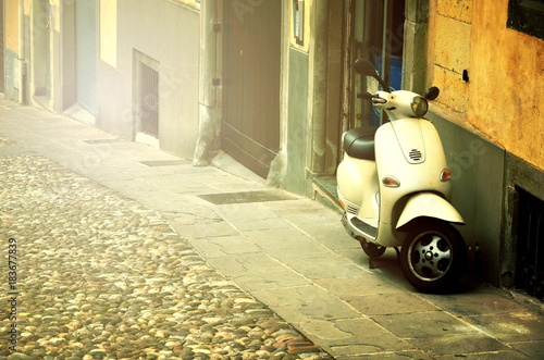 Papiers peints Scooter Rome, Italy - November 14, 2017: Group of Scooter Vespa parked on old street in Rome, Italy